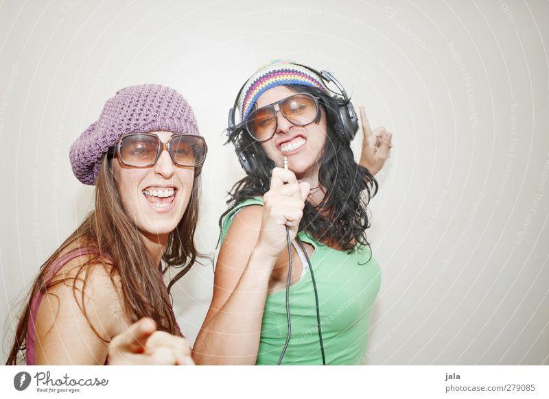funny friday Mensch Frau Freude Erwachsene feminin Gefühle Glück wild Fröhlichkeit Lebensfreude trendy 30-45 Jahre