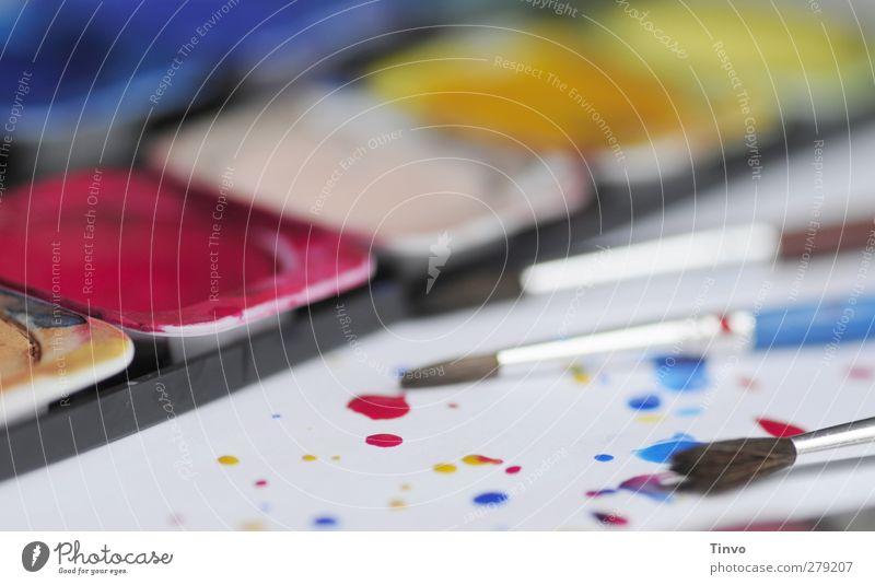 geöffneter Tuschkasten und Pinsel Freizeit & Hobby blau mehrfarbig gelb rot Kreativität malen Aquarell Gemälde Wasserfarbe Farbkasten Farbtropfen Farbfleck