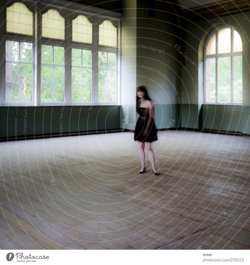 Unfinished Ballroom Story (V) Mensch Frau schön Einsamkeit Erwachsene Fenster feminin Zeit außergewöhnlich elegant stehen ästhetisch Wandel & Veränderung