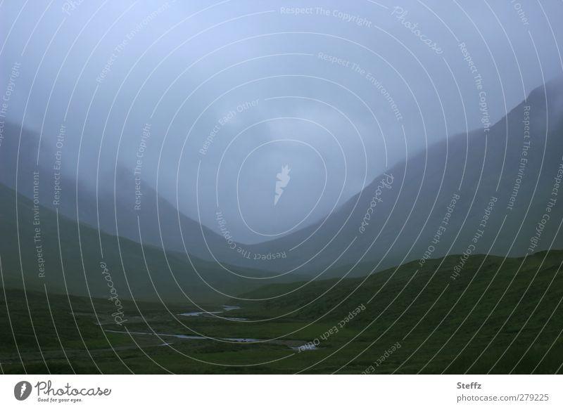 mystic realm Natur blau Einsamkeit Landschaft ruhig Ferne dunkel Berge u. Gebirge Stimmung Erde träumen Nebel geheimnisvoll Hügel Bach verträumt