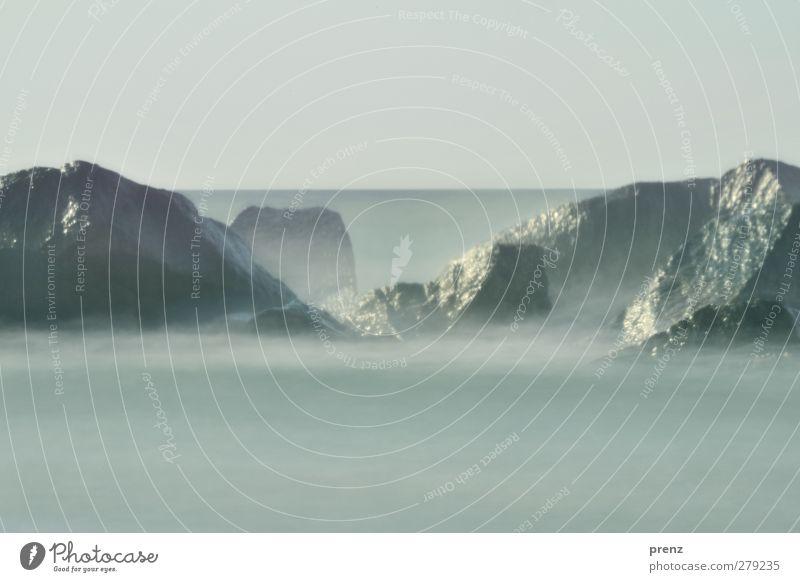 Felsen Umwelt Natur Landschaft Wasser Küste Ostsee Meer grau Nebel Nebelschleier Horizont Himmel Farbfoto Außenaufnahme Menschenleer Textfreiraum oben Tag