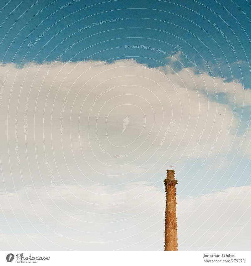 Liverpool Reflections VI Wasser Einsamkeit Architektur Industrie Turm einzeln Industriefotografie Schornstein Wasseroberfläche Klimawandel Irritation wenige