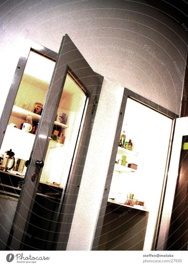 Büro-Küche in ehem. Telefonkabinen Tasse Telefonzelle Ablage unordentlich träumen Ernährung Tür Raum Kaffee Glas Kitchenette Miniküche verrückt