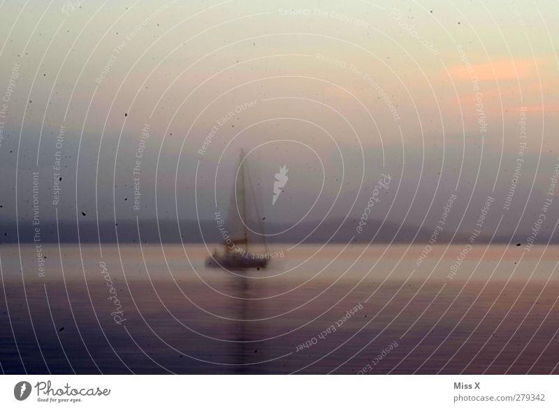 Experiment Meer grau See Wellen dreckig Schifffahrt Segelboot