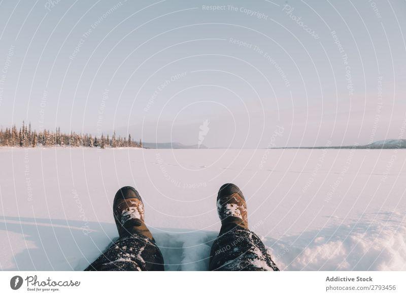Beine auf schneebedecktem Feld schneiden Schnee Landschaft Arktis Winter Natur Jahreszeiten