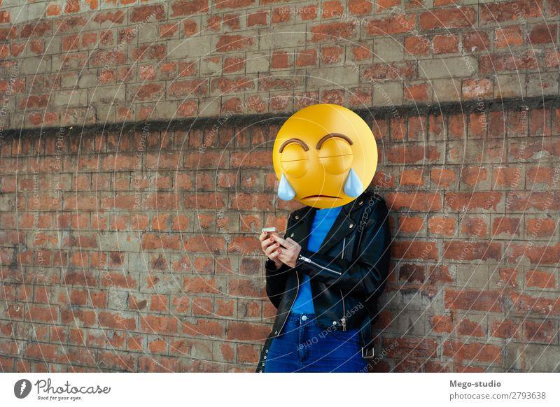 Frau Mensch Mann Lifestyle Erwachsene sprechen Glück Stil Business modern Technik & Technologie Lächeln sitzen stehen Telefon Internet