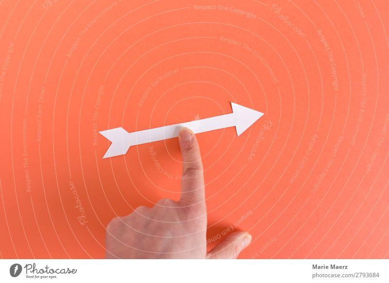 Da geht's lang - Finger mit Pfeil lernen Karriere Hand Zeichen Beratung machen Coolness gut positiv orange Tugend Mut Bildung Entschlossenheit Erfahrung