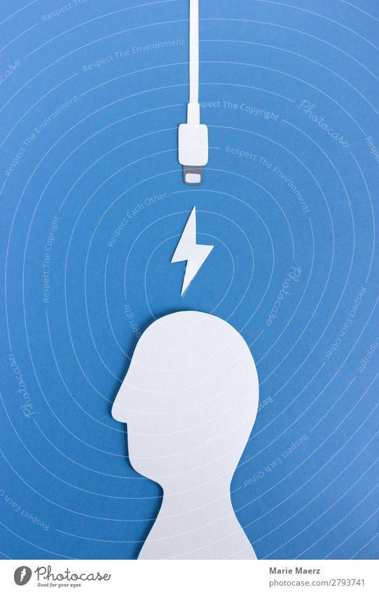 Kopf auftanken Kabel Technik & Technologie Mensch maskulin Arbeit & Erwerbstätigkeit Erholung machen kaputt nerdig blau Gefühle Laster achtsam ruhig Müdigkeit