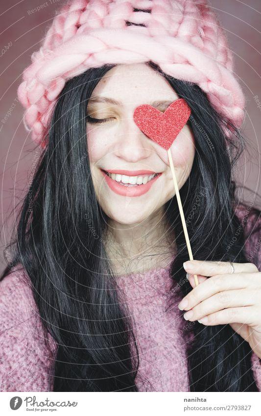 Romantische Frau in rosa Kleidung elegant Stil Freude Glück schön Haare & Frisuren Gesicht Schminke Valentinstag Mensch feminin Junge Frau Jugendliche
