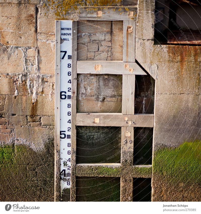 7m Hafen messen Messung Meter Wasserstand Hochwasser Ebbe Liverpool Dock Lineal signalisieren bewegungslos Skala Wasserschaden Schiffswerft Wasserbecken Limit