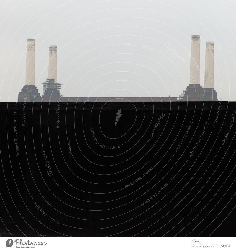 battersea power station alt Einsamkeit Haus dunkel Wand Architektur grau Mauer Gebäude Stein Fassade Energiewirtschaft authentisch einzigartig einfach