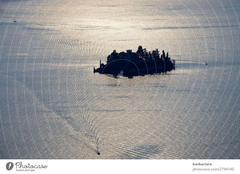 herausragend | Isola di Loreto, Iseosee Ferien & Urlaub & Reisen Mensch Wasser Insel See Italien Burg oder Schloss Bauwerk Schifffahrt Bootsfahrt Segelboot