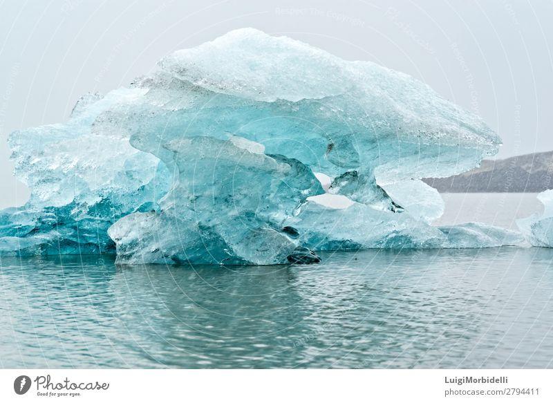 Nahaufnahme des Eisbergs in der Fjallsarlon Gletscherlagune, Island Ferien & Urlaub & Reisen Insel Winter Schnee Berge u. Gebirge Natur Landschaft Wasser Himmel