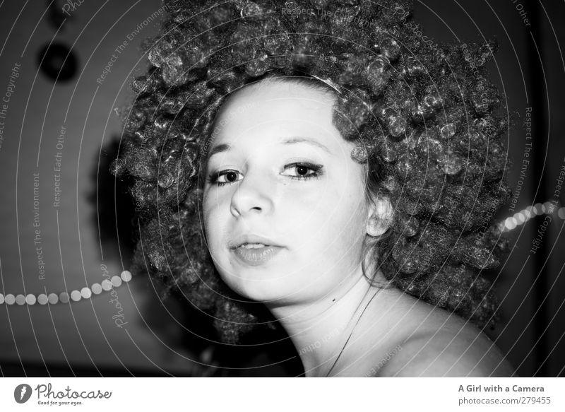 dreh die Musik lauter Mensch Kind Jugendliche schön Gesicht feminin Leben Junge Frau Haare & Frisuren Kopf Party außergewöhnlich wild 13-18 Jahre Coolness retro