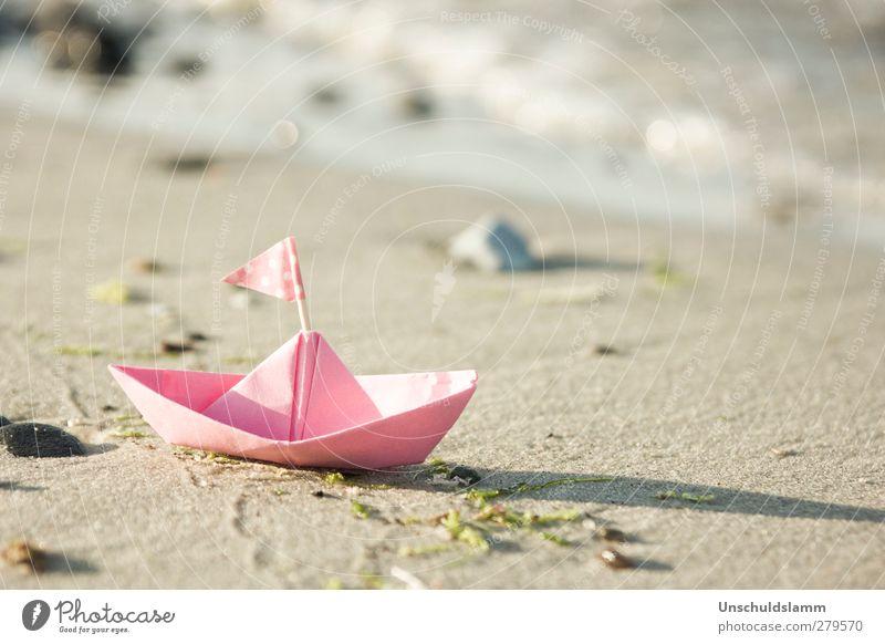 Rosa Ahoi! Ferien & Urlaub & Reisen Sommer Meer Freude Strand ruhig klein hell Wasserfahrzeug rosa Kindheit Freizeit & Hobby frisch Tourismus Fröhlichkeit ästhetisch