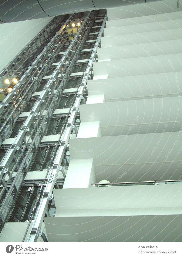 Elevator Hotel Oporto Architektur modern Fahrstuhl Dachboden