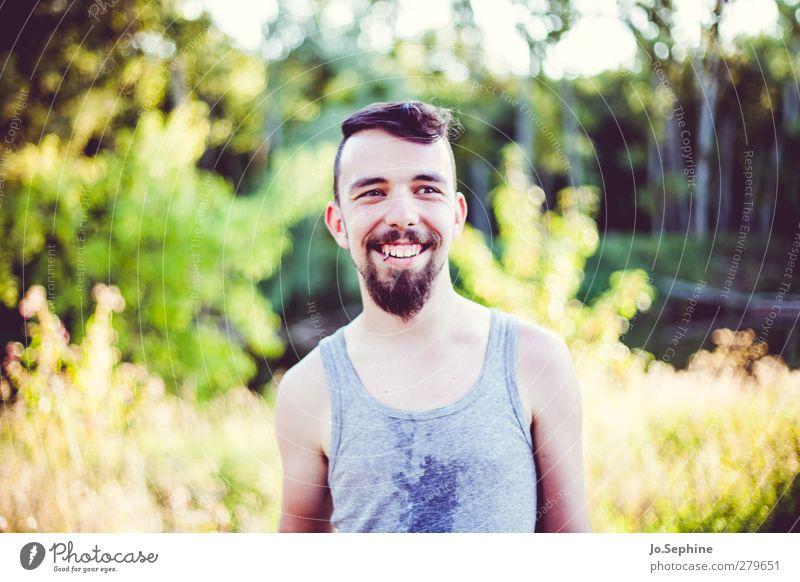 shine Lifestyle Stil Ausflug Sommer Mensch maskulin Junger Mann Jugendliche 1 18-30 Jahre Erwachsene Natur Hemd Bart lachen leuchten authentisch Glück trendy