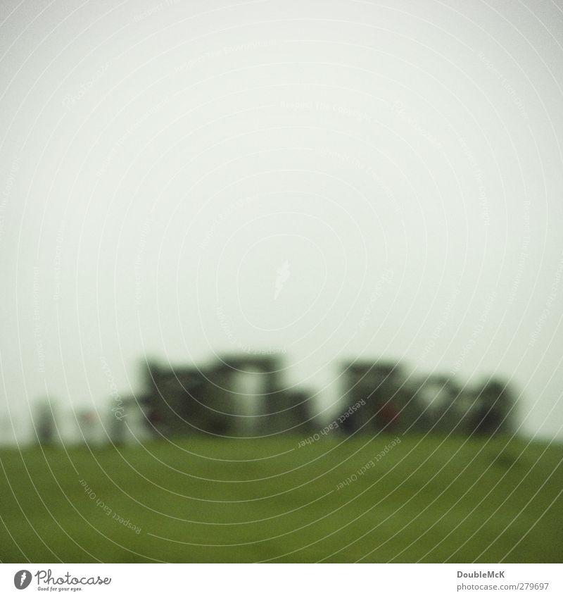 Stein an Stein, was mag das wohl sein?! schlechtes Wetter Sehenswürdigkeit Stonehenge natürlich grau grün ursprünglich steinig Farbfoto Außenaufnahme