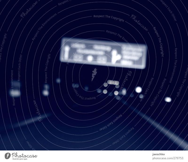 Wohin? blau Ferien & Urlaub & Reisen dunkel Straße Wege & Pfade träumen Horizont Verkehr frei Beginn gefährlich Wunsch fahren Unendlichkeit Verkehrswege