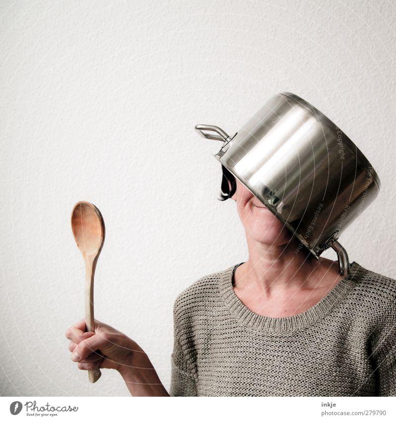 Suppenkasper Mensch Frau Freude Erwachsene Leben Gefühle lustig Freizeit & Hobby verrückt Ernährung Lächeln Kreativität festhalten Gastronomie Dienstleistungsgewerbe dumm