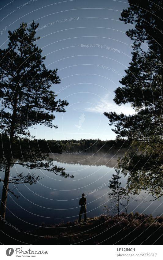 Schwedisches Anglerlatein Mensch Natur Jugendliche Wasser Ferien & Urlaub & Reisen Sommer Tier Erwachsene Wald Landschaft Ferne Umwelt Freiheit See Junger Mann Körper