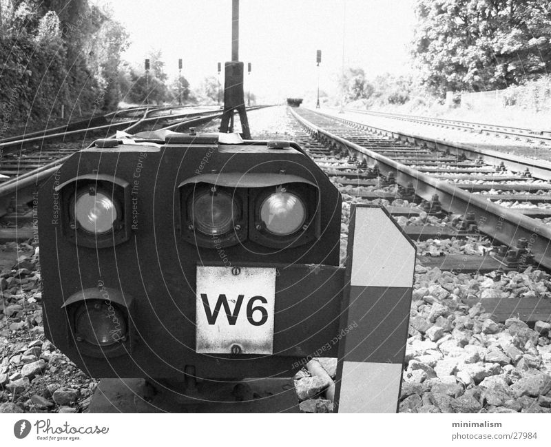 w6 Lampe Verkehr Eisenbahn Gleise Signal