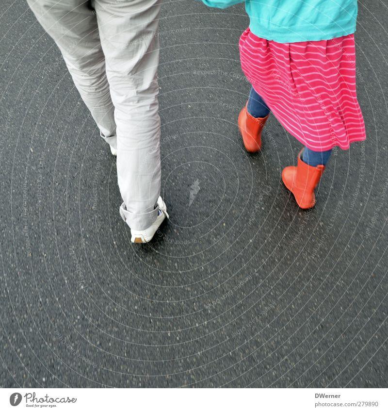 unterwegs! Lifestyle Design schön sportlich Fitness Leben wandern Kind Schulkind feminin Frau Erwachsene Familie & Verwandtschaft Beine 2 Mensch Straße Hose