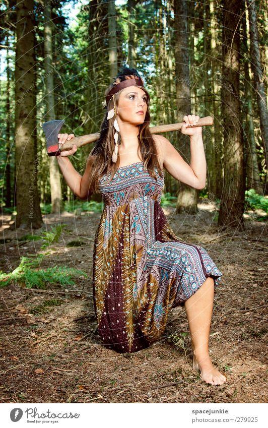 In the woods Mensch Junge Frau Jugendliche 1 18-30 Jahre Erwachsene Natur Erde Sommer Schönes Wetter Pflanze Baum Farn Wald Arbeit & Erwerbstätigkeit ästhetisch