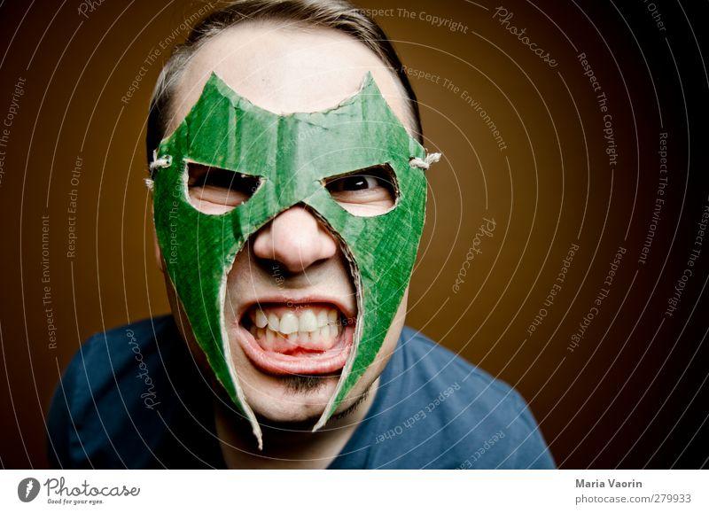 Wrestling Mans Bewerbungsfoto Mensch Mann Erwachsene dunkel maskulin bedrohlich geheimnisvoll Maske Wut brünett trashig kämpfen Aggression Ärger Basteln