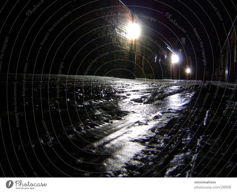 eisig dunkel kalt Eis Spuren Einfahrt Köln Köln-Ehrenfeld