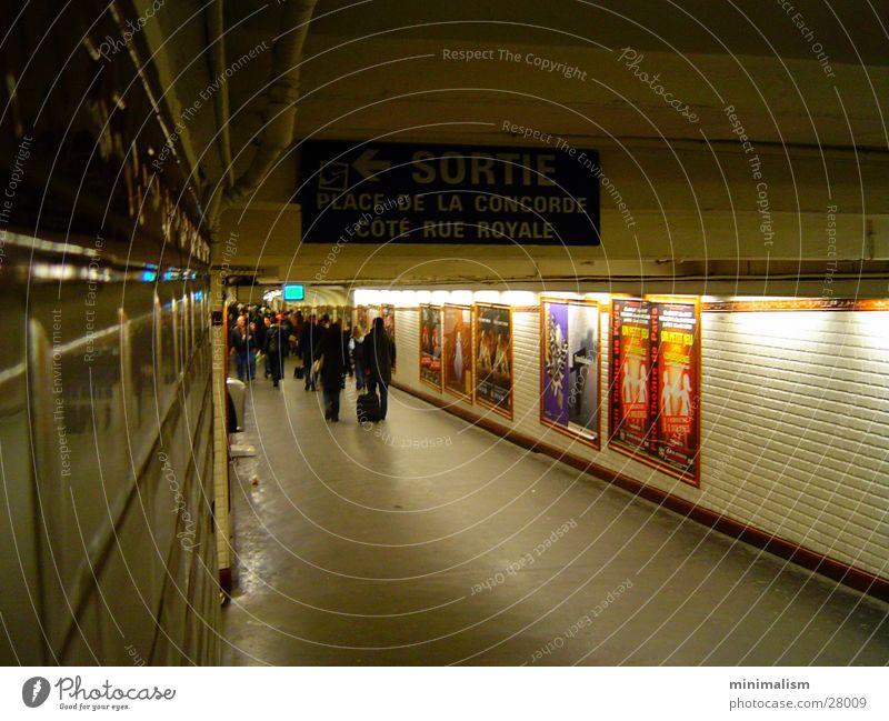 sortie: concorde! Paris U-Bahn Tunnel Verkehr Concorde cote rue royale