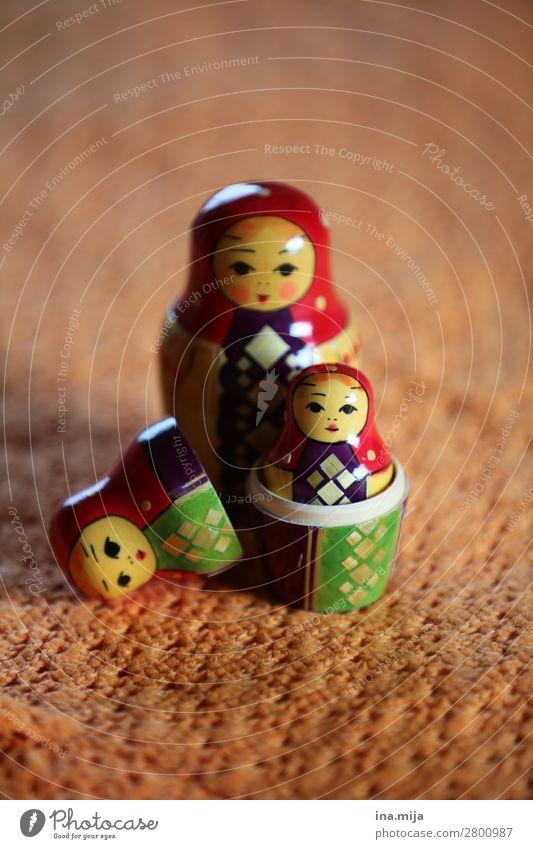 zusammenpassen Mensch feminin Kind Mädchen Frau Erwachsene Familie & Verwandtschaft Leben 3 gleich Identität einzigartig Kindheit Zukunft Matroschka Spielzeug