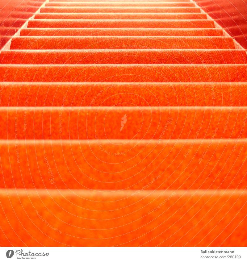 Ein Treppich! Wohnung Innenarchitektur Entertainment Veranstaltung Architektur Theater Treppe retro trashig orange rot Roter Teppich Hotel Farbfoto