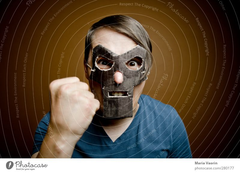 Selfmade-Sido Mensch Mann Erwachsene dunkel maskulin bedrohlich Maske Wut brünett kämpfen Held Aggression Ärger Basteln Faust Scheitel
