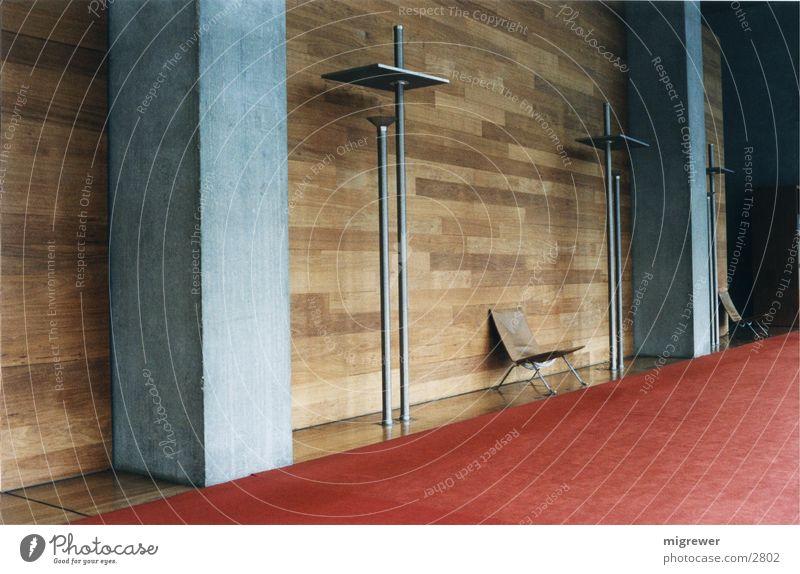 Nationalbibliothek Paris (2) Holz Licht Beton Teppich rot braun Leder ruhig Einsamkeit Architektur Metall Stuhl
