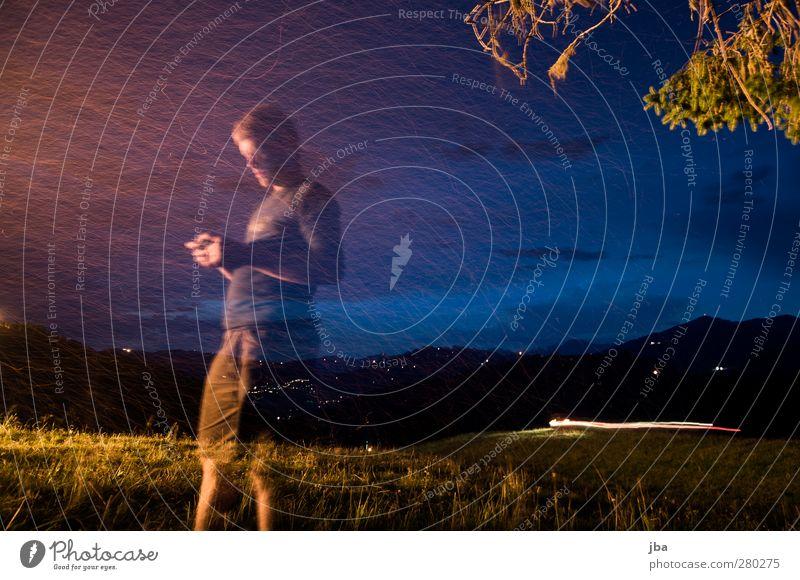 transparent Mensch Himmel Natur Jugendliche Sommer Erholung Junger Mann Landschaft 18-30 Jahre Erwachsene Berge u. Gebirge Leben Bewegung Gras Freiheit maskulin