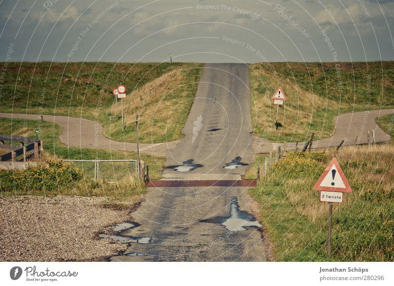 dahinter fällst du die Erdscheibe runter Umwelt Natur Landschaft Verkehr Verkehrswege Straße Straßenkreuzung Wege & Pfade Wegkreuzung Ferien & Urlaub & Reisen