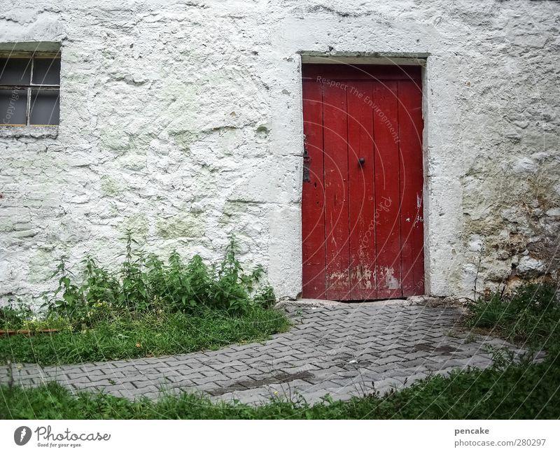 rote tür alt grün weiß rot Haus Fenster Wand Mauer Stein hell Tür geschlossen historisch Vergangenheit Bauernhof Museum