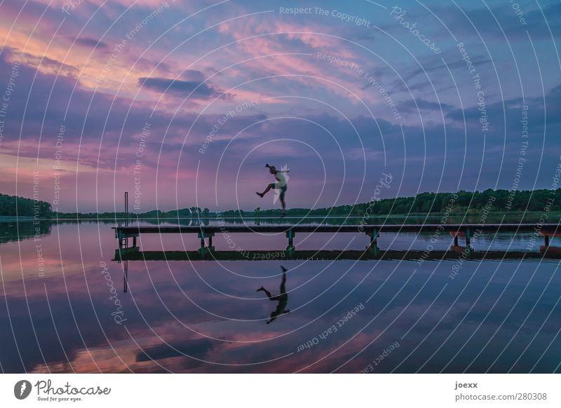 Ich tanze meinen Namen Mensch Jugendliche blau Wasser Ferien & Urlaub & Reisen Sommer Wolken schwarz Landschaft Erwachsene Gefühle Wege & Pfade Junger Mann springen Horizont Stimmung