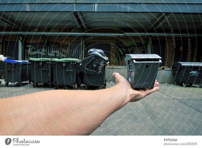 wertstoff Mensch Hand Finger 1 Umwelt festhalten Fass Müll Müllbehälter Recycling Recyclingcontainer Wertstoff Müllmann Industriefotografie Wirtschaft Haushalt