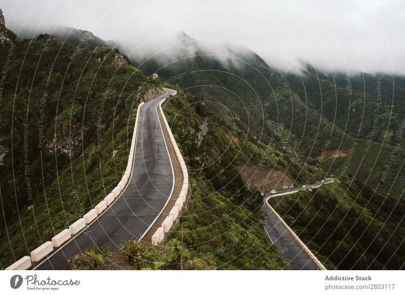 Bergstraßen an nebligen Tagen Straße Berge u. Gebirge Nebel Aussicht Ferien & Urlaub & Reisen Natur playa norte Spanien Landschaft Asphalt geschlängelt Ausflug