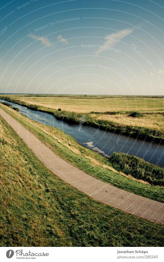 Weg—Fluss—Feld Natur blau Ferien & Urlaub & Reisen grün Sommer Landschaft Umwelt Wiese Wege & Pfade Freiheit Horizont Reisefotografie wandern Idylle