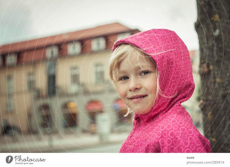 Zuckerpüppchen Mensch Kind Mädchen Gesicht Herbst feminin Haare & Frisuren klein Kopf Mode rosa Freizeit & Hobby Wetter Lifestyle Wind blond