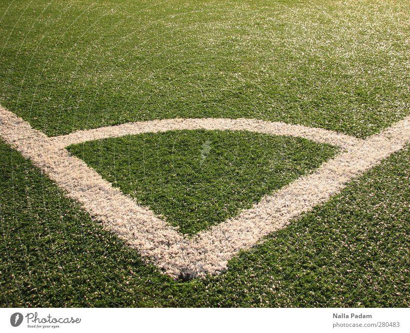 0,6² + 0,8² grün weiß Sport Linie Ecke Rasen Spielfeld Sportrasen Eckstoß Bogen rechtwinklig
