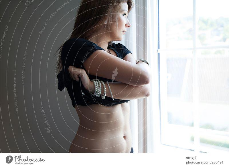 \\\ Mensch Jugendliche Erwachsene Fenster feminin Erotik Junge Frau 18-30 Jahre Bauch