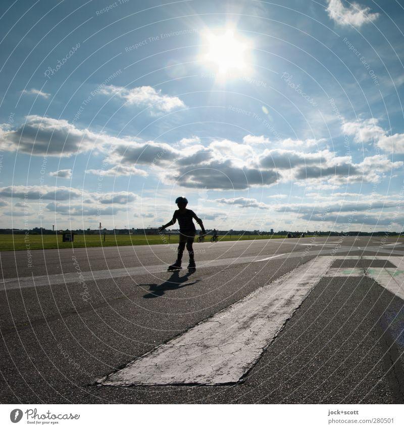 roller skating Inline Skating Kind 1 Mensch Wolken Sommer Schönes Wetter Park Sehenswürdigkeit Verkehrswege Landebahn Schriftzeichen Schilder & Markierungen