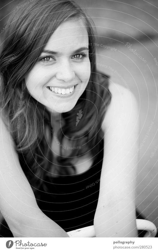 be nice (V) Mensch feminin Junge Frau Jugendliche Erwachsene Leben Kopf Zähne 1 18-30 Jahre langhaarig Gefühle Freude Glück Fröhlichkeit Zufriedenheit