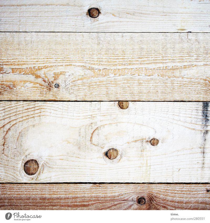Sternenhimmel mit Umlaufbahnen (Modell Holzkiste) Mauer Wand Astloch Fuge Furche Maserung dreckig rebellisch trashig braun Farbfoto Gedeckte Farben