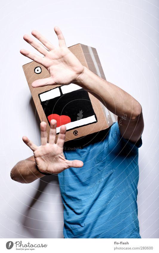 KARTOON · JON Spielen Entertainment maskulin 1 Mensch Kunst Theaterschauspiel T-Shirt Verpackung Paket Karton Kiste schreien Blick stehen Aggression bedrohlich