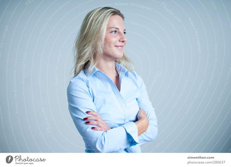 portrait Mensch Frau Kind Jugendliche Junge Frau Erwachsene feminin Stil Business Büro blond Erfolg 13-18 Jahre Güterverkehr & Logistik Beruf Geldinstitut
